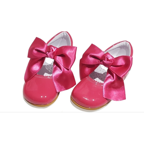 Mary Jane Bright Pink PatentLeather Bow Shoe